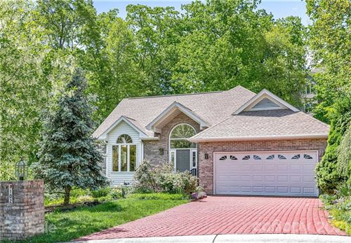 Photo of 102 S Carriage Square Court, Hendersonville, NC 28791-1396 (MLS # 3740200)