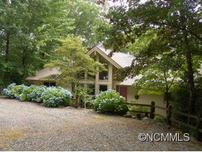 Photo of 843 North Club Boulevard, Lake Toxaway, NC 28747 (MLS # NCM535211)