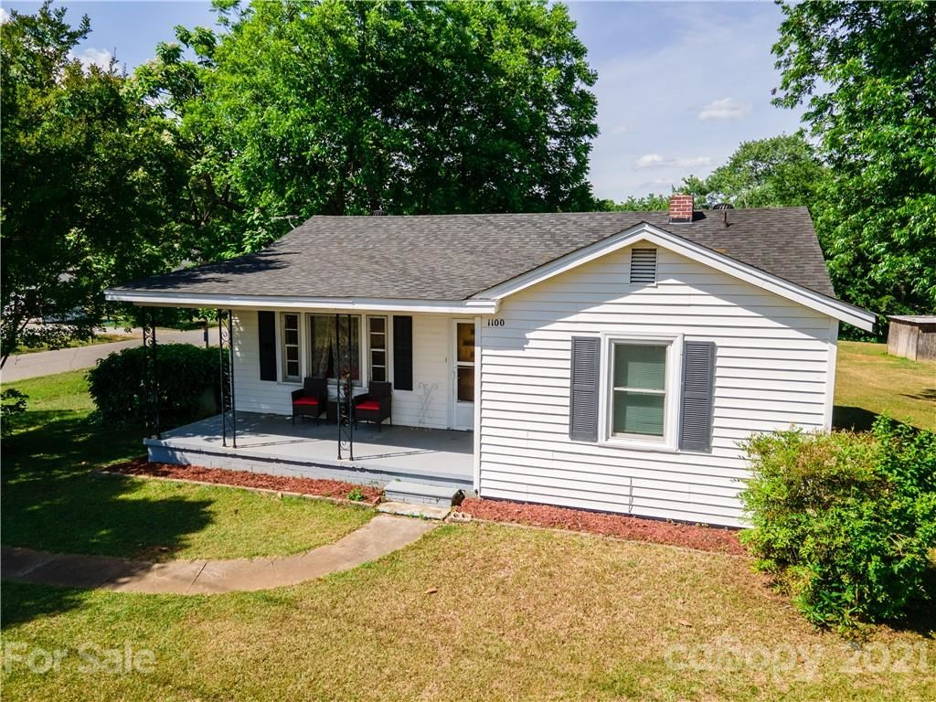 Photo for 1100 E Old Hickory Grove Road, Mount Holly, NC 28120-1116 (MLS # 3793231)
