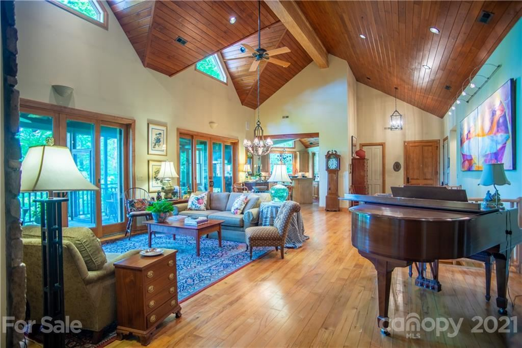 Photo of 71 Chestnut Hill Road, Spruce Pine, NC 28777 (MLS # 3745237)