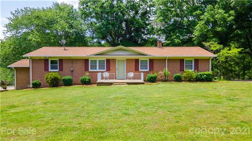 Photo of 2769 17th Avenue, Hickory, NC 28601-3103 (MLS # 3736242)