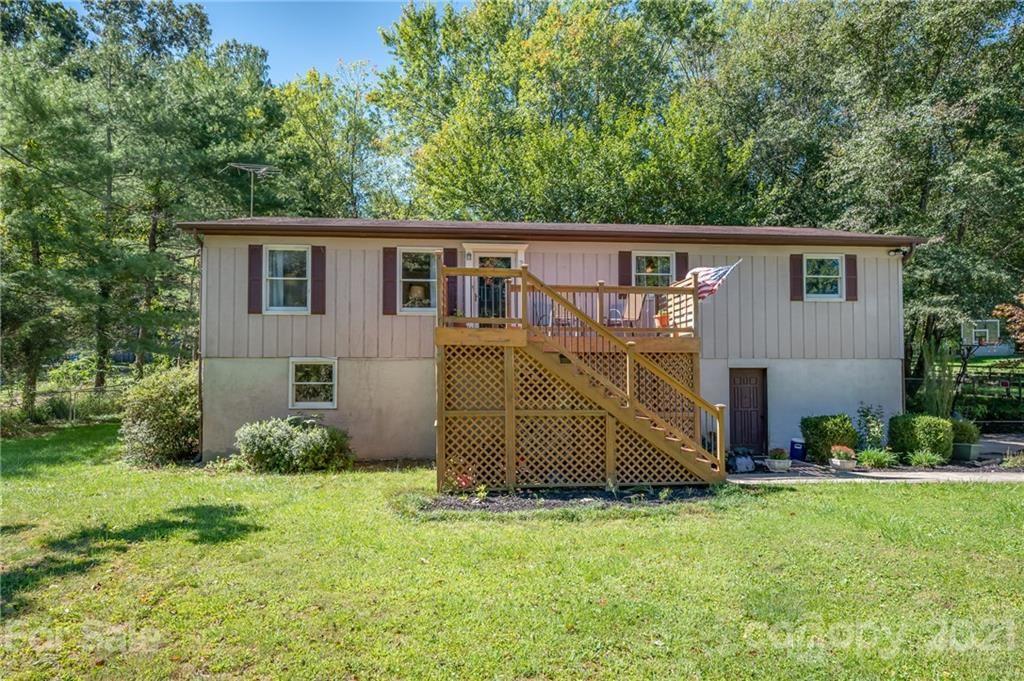 Photo of 20 Ridgeway Drive, Flat Rock, NC 28731-9644 (MLS # 3786261)