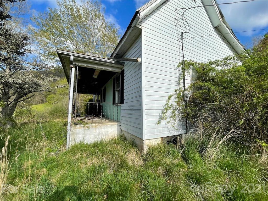 Photo of 54 Jaimes Lane, Bakersville, NC 28705 (MLS # 3734290)