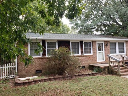 Photo of 3727 Fieldcrest Circle NW, Concord, NC 28027 (MLS # 3571297)