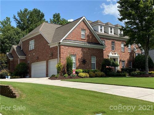 Photo of 16857 Crosshaven Drive, Charlotte, NC 28278-8611 (MLS # 3780299)