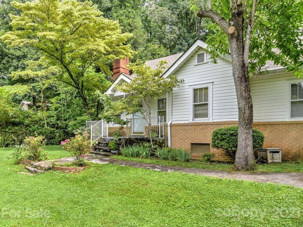 Photo of 238 Oakdale Drive, Hendersonville, NC 28791-2061 (MLS # 3761301)