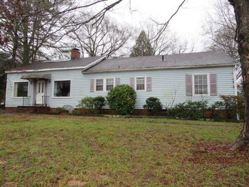 Photo of 830 N Aspen Street, Lincolnton, NC 28092 (MLS # 3582306)