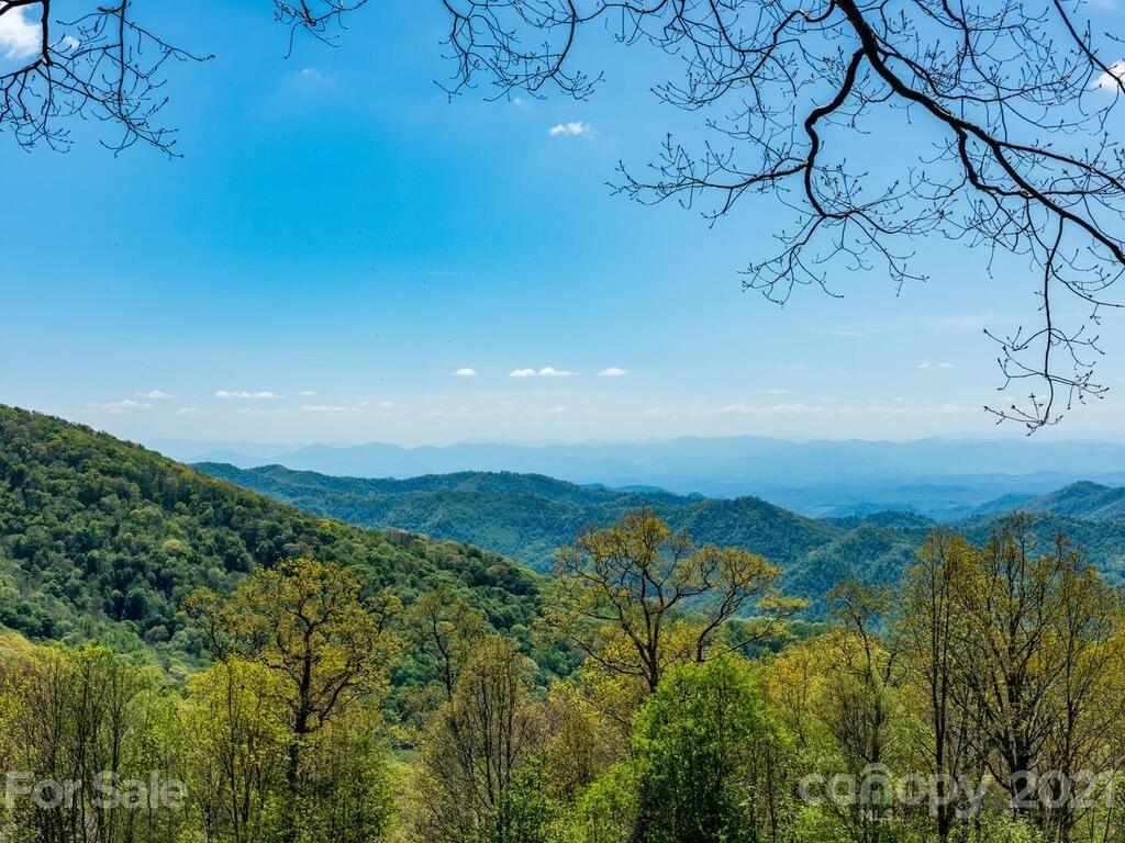 Photo of 22 Lookout Loop, Burnsville, NC 28714 (MLS # 3713318)