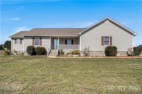 Photo of 2708 River Meadows Court, Lincolnton, NC 28092-8593 (MLS # 3791319)