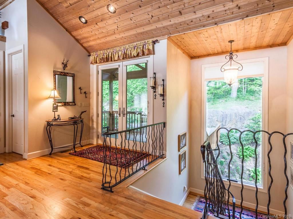 Photo of 334 Slickrock Road, Burnsville, NC 28714 (MLS # 3499324)