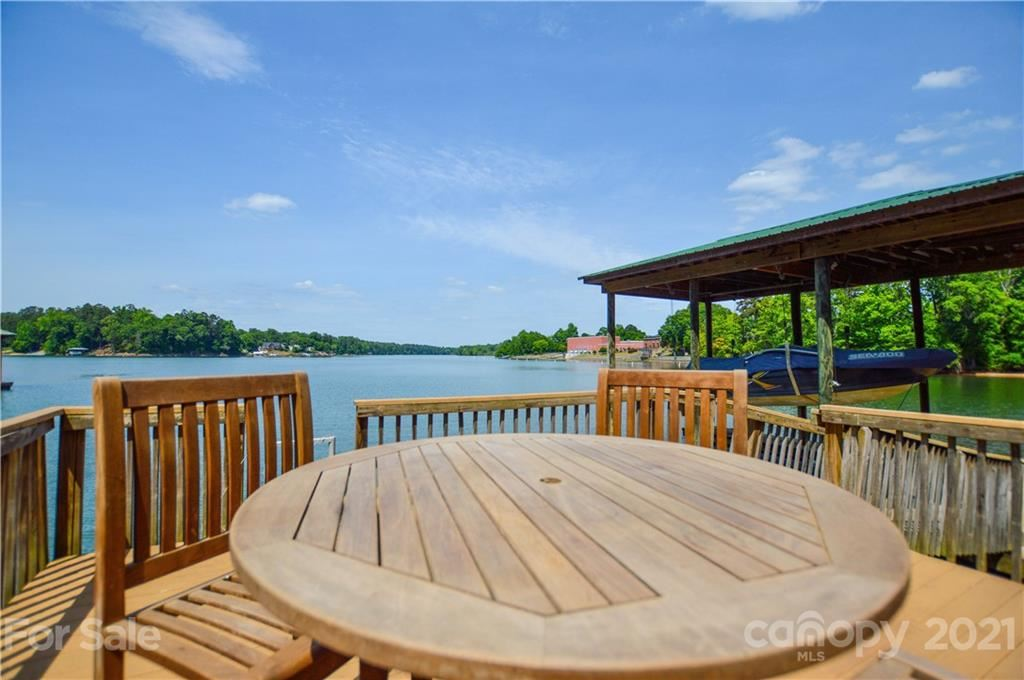 Photo for 4513 Inlet Pointe Court, Charlotte, NC 28216-6731 (MLS # 3746329)
