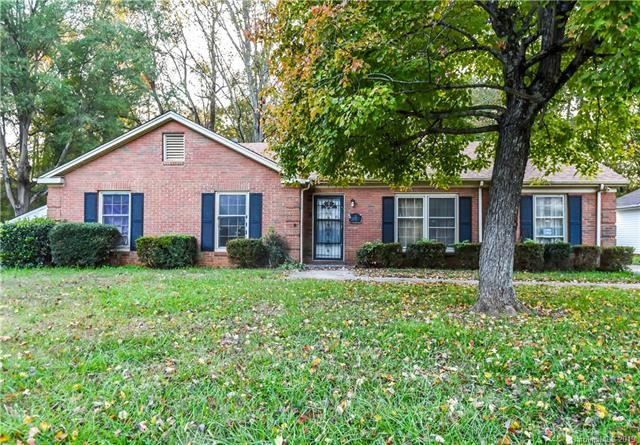 Photo for 1222 Allenbrook Drive, Charlotte, NC 28208 (MLS # 3567330)