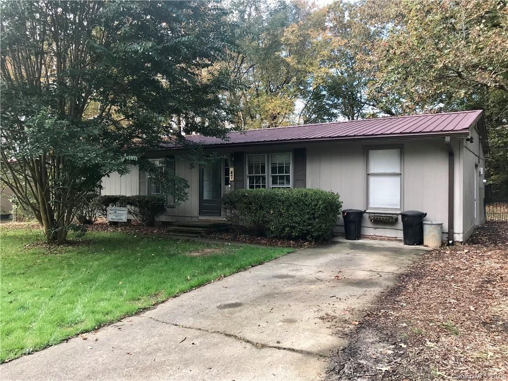 Photo of 47 Springside Drive, Hendersonville, NC 28792-3031 (MLS # 3676335)