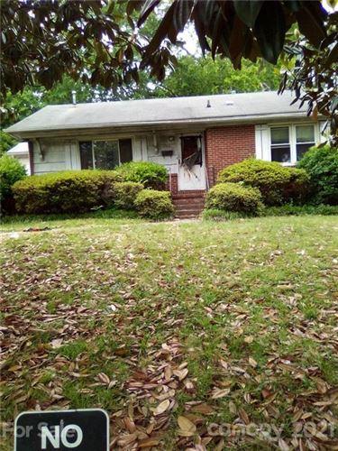 Photo of 3216 Dawnshire Avenue, Charlotte, NC 28216-3614 (MLS # 3766338)