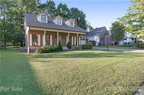 Photo of 400 Stonehaven Court, Concord, NC 28027-6866 (MLS # 3796344)
