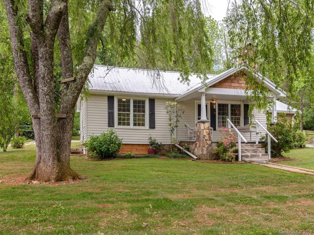 Photo of 370 Crail Farm Road, Hendersonville, NC 28739 (MLS # 3626346)