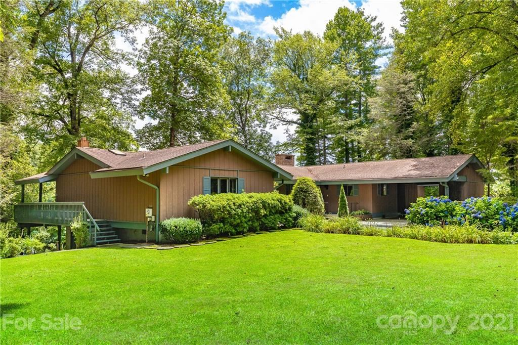 Photo of 307 Island Point Road, Lake Toxaway, NC 28747 (MLS # 3648355)