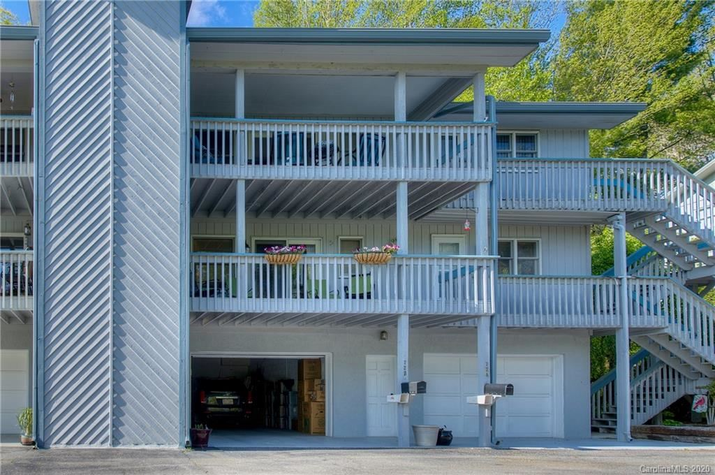 Photo of 72 Country Club Woods Drive, Spruce Pine, NC 28777 (MLS # 3619360)