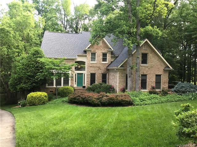 Photo for 3340 Whistley Green Drive, Charlotte, NC 28269 (MLS # 3507371)