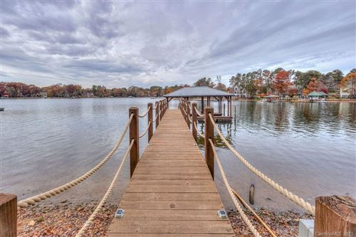 Photo of 144 Hunters Pointe Lane, Mooresville, NC 28117 (MLS # 3571383)