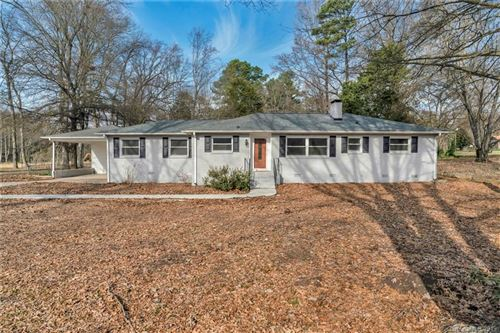Photo of 406 Coulwood Drive, Charlotte, NC 28214 (MLS # 3575388)