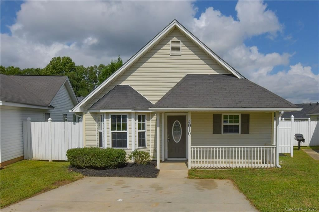 Photo for 4010 Tuckers Glen Lane, Charlotte, NC 28216-3806 (MLS # 3667395)
