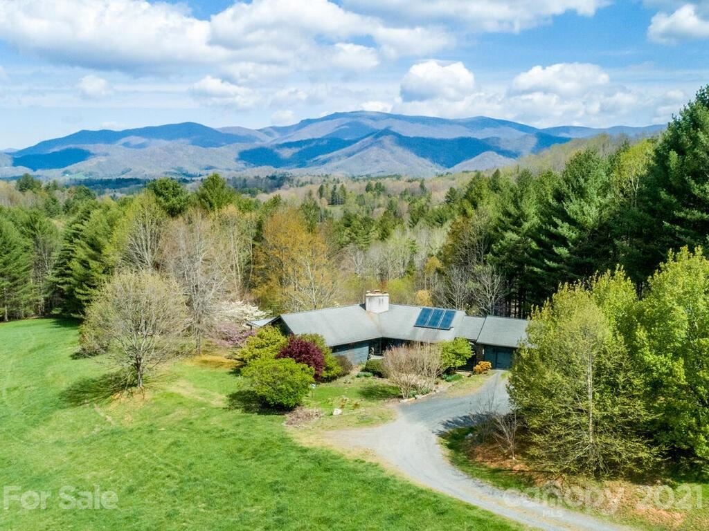 Photo of 202 Will Place Road, Bakersville, NC 28705 (MLS # 3732423)