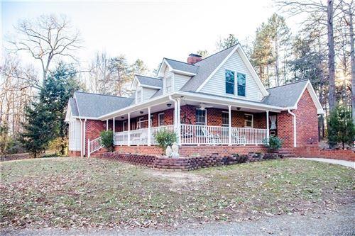 Photo of 936 Chief Thomas Road, Harmony, NC 28634 (MLS # 3577431)