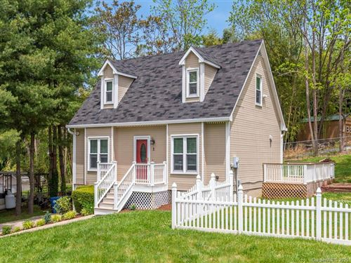 Photo of 2 Williamsburg Place, Asheville, NC 28803 (MLS # 3623431)
