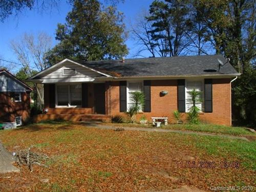 Photo of 1401 Thriftwood Drive, Charlotte, NC 28208-1905 (MLS # 3686431)