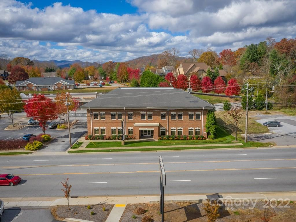 Photo of 1985 Hendersonville Road, Asheville, NC 28803 (MLS # 3681443)