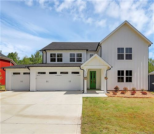 Photo of 194 Country Lake Drive, Mooresville, NC 28115-8352 (MLS # 3616452)