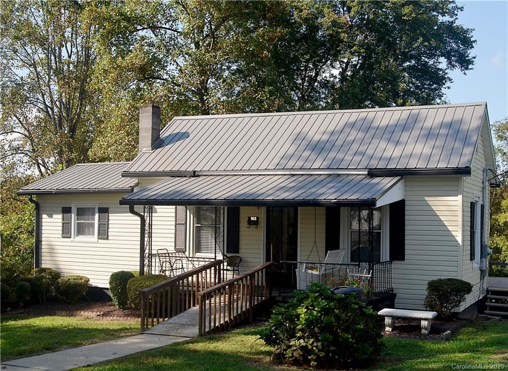 Photo of 165 School Street, Marion, NC 28752 (MLS # 3670453)