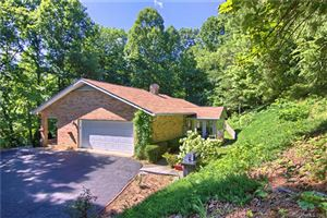 Photo of 104 Wolf Shoals Drive, Hendersonville, NC 28739 (MLS # 3517458)