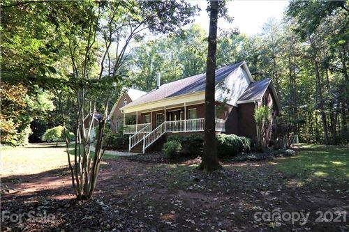 Photo of 6252 Meadowview Drive, Davidson, NC 28036-9544 (MLS # 3789476)