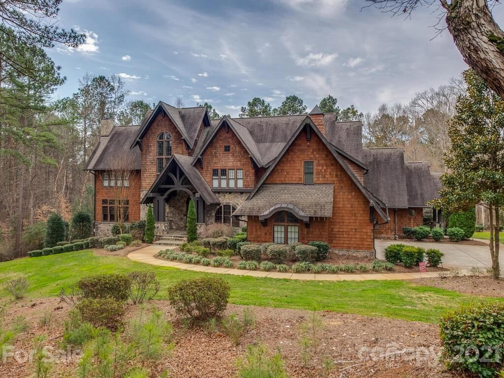 Photo for 14140 Claysparrow Road, Charlotte, NC 28278-6882 (MLS # 3720477)