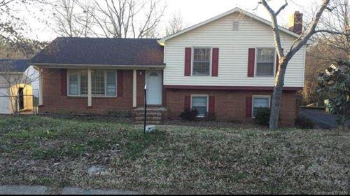 Photo of 5623 Cherrycrest Lane, Charlotte, NC 28217-4025 (MLS # 3639478)