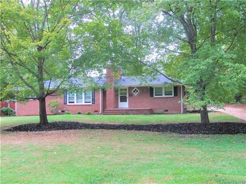 Photo of 104 Lakeview Drive, York, SC 29745 (MLS # 3560481)
