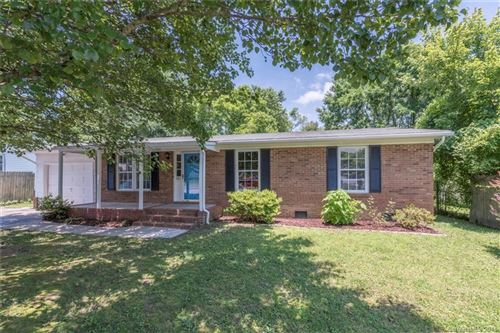Photo of 721 Goldfinch Drive, Hendersonville, NC 28792 (MLS # 3394489)