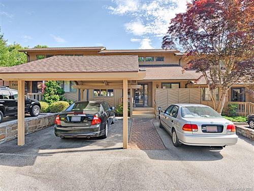 Photo of 1003 Red Oak Drive, Hendersonville, NC 28791 (MLS # 3649506)