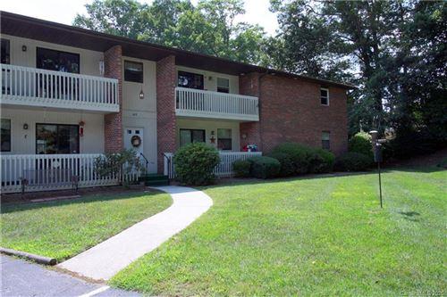 Photo of 103 Oakwood Place #4, Hendersonville, NC 28791-0707 (MLS # 3641522)