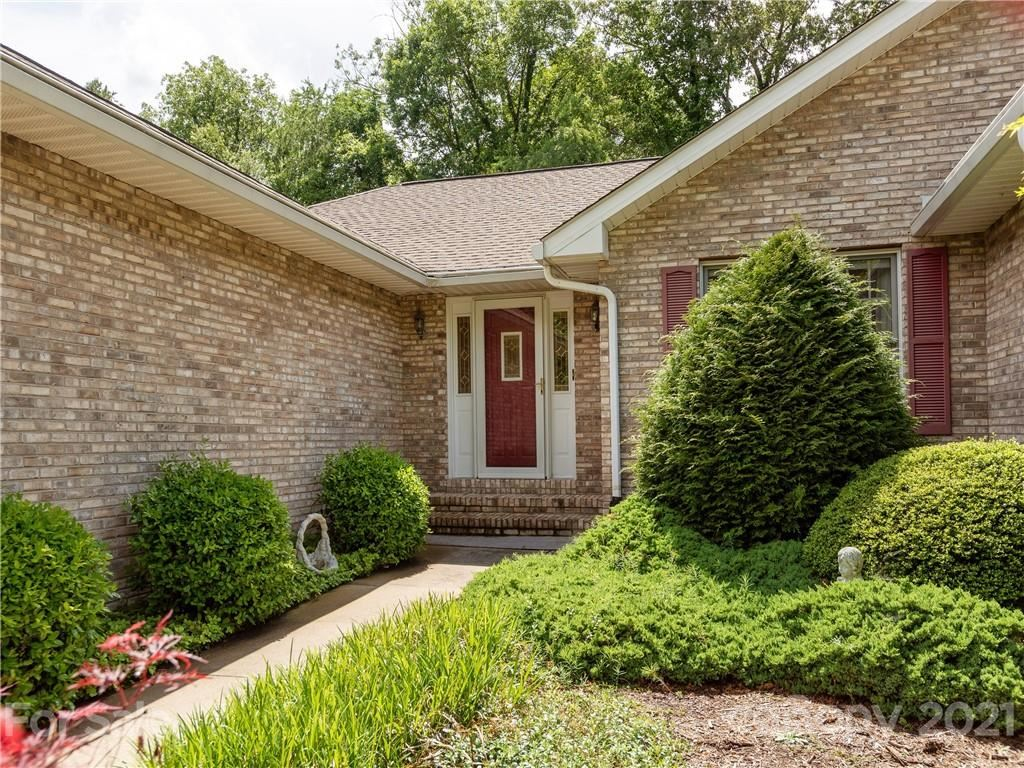 Photo of 220 Sweetwater Hills Drive, Hendersonville, NC 28791 (MLS # 3749526)