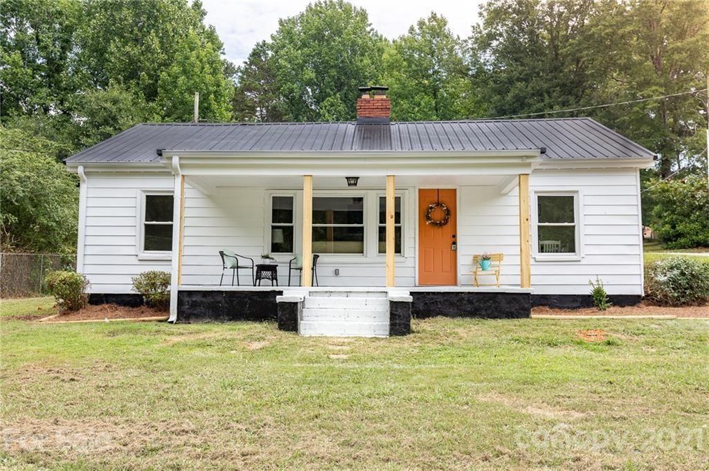 Photo for 1000 N Mountain Street, Cherryville, NC 28021 (MLS # 3760532)