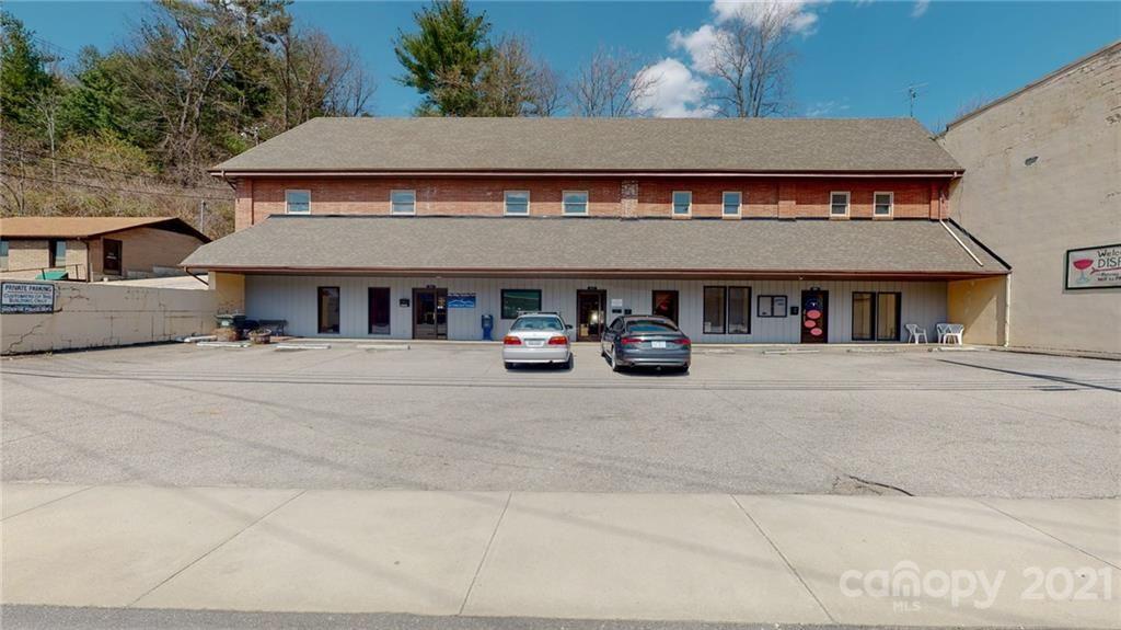 Photo of 261 Oak Avenue, Spruce Pine, NC 28777-2721 (MLS # 3725547)