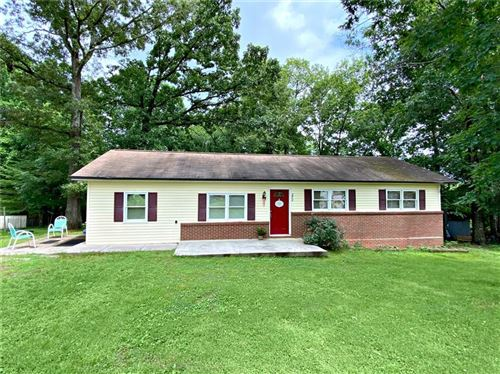 Photo of 272 Heritage View Road, Hickory, NC 28601-8335 (MLS # 3632560)
