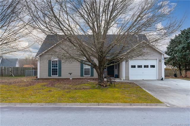 Photo of 904 Woodhill Drive, Fletcher, NC 28732 (MLS # 3584582)