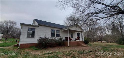 Photo of 634 Landers Chapel Road, Lincolnton, NC 28092 (MLS # 3531588)