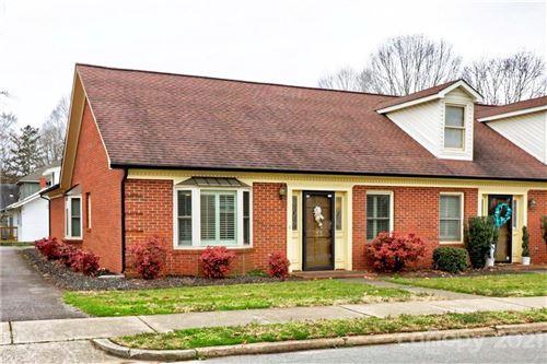 Photo of 133 N Oakwood Drive, Statesville, NC 28677-5312 (MLS # 3714591)