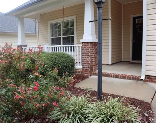 Photo for 2000 Horizon Court, Matthews, NC 28104 (MLS # 3558591)