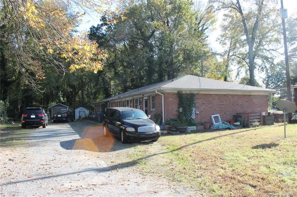 Photo for 3615 Morris Field Drive, Charlotte, NC 28208-4792 (MLS # 3680592)